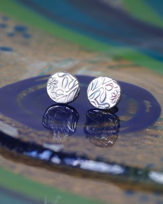 Silver stud flower earrings