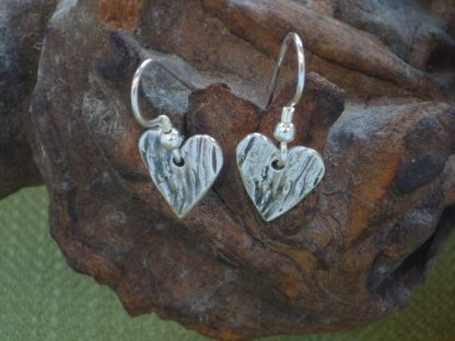 Heart bark embossed drop earrings