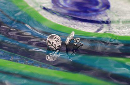 Silver stud flower earrings